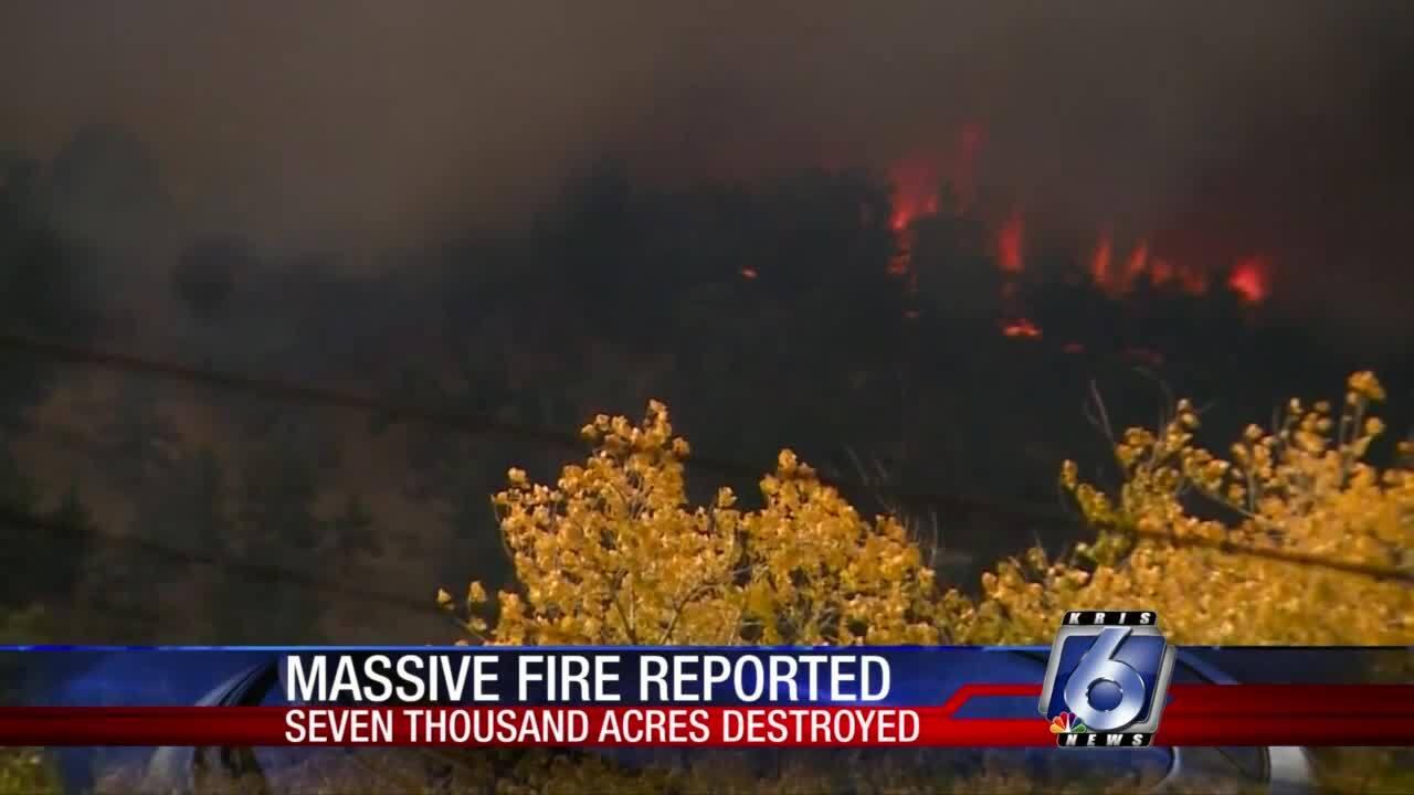 Fire spreads through Boulder County Colorado