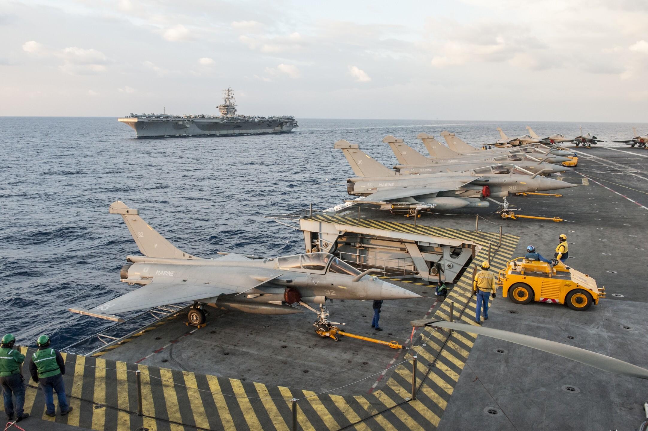 Photos: French Navy aviators join U.S. Navy aviators fortraining