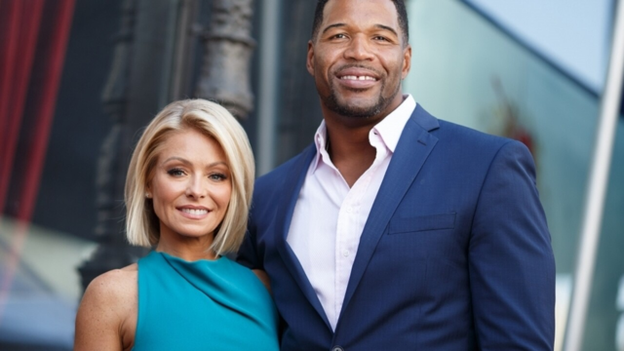 Kelly Ripa returns to 'Live,' addresses uproar