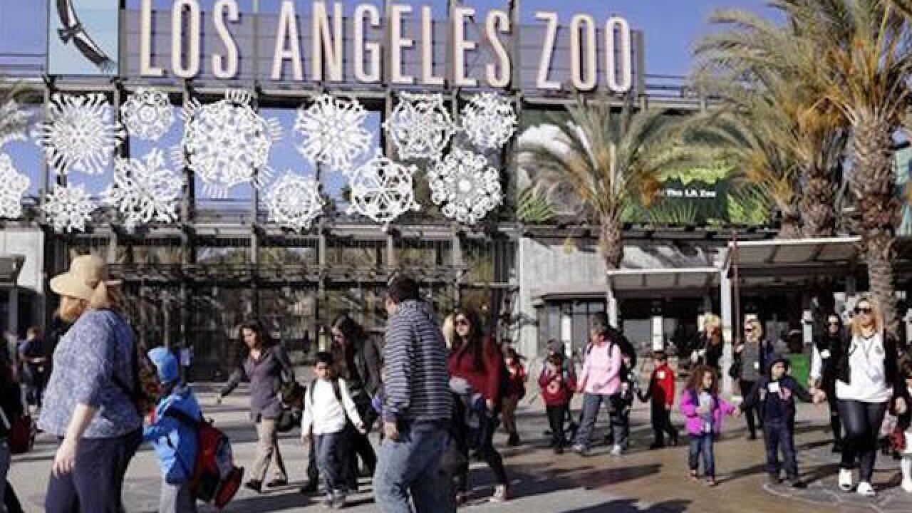 Comedian posts fake facts at Los Angeles Zoo