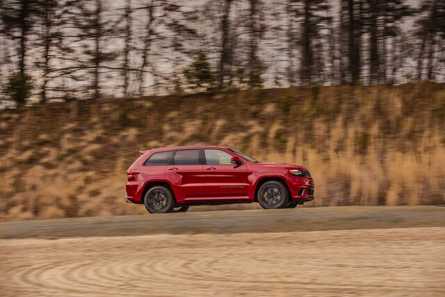 Photo gallery: FCA unveils Jeep Grand Cherokee Trackhawk with 707 hp