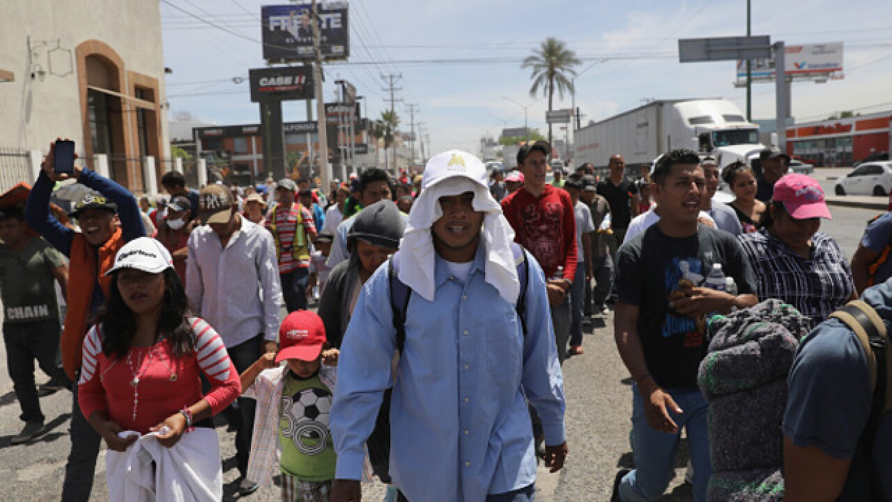 Migrant caravan approaches US-Mexico border