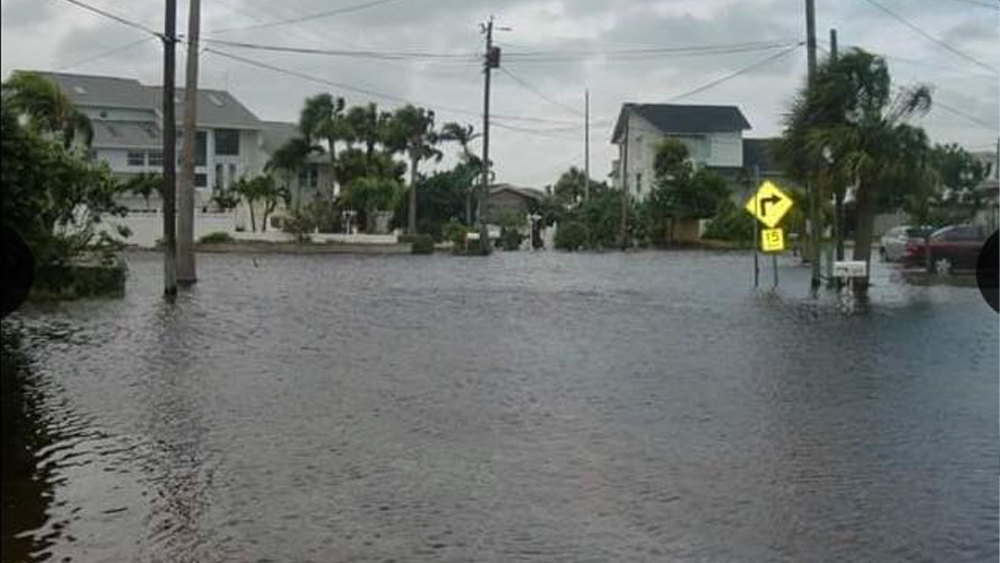 st-pete-flooding2.png
