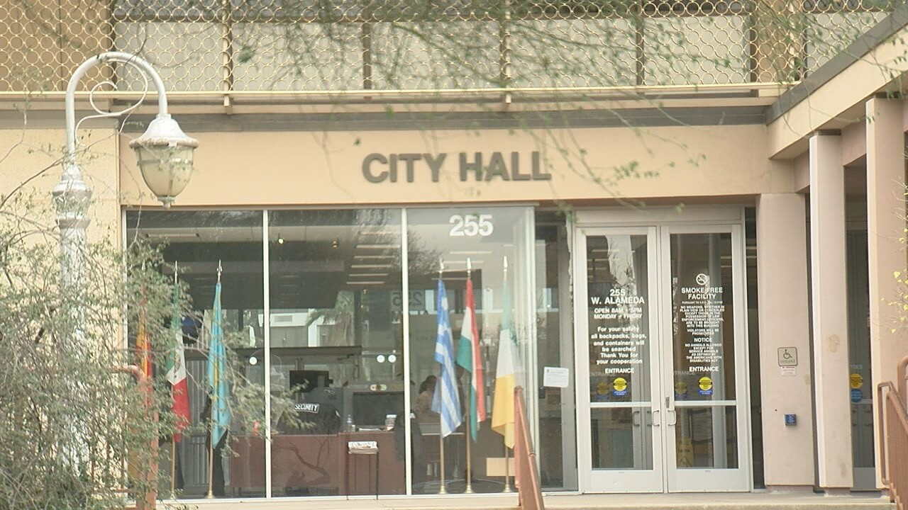2019-01-10 Mayor-City Hall.jpg