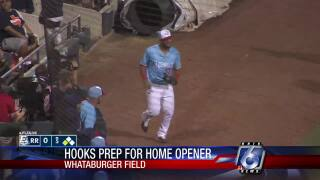 Toro bullish on Hooks' future heading into opening night