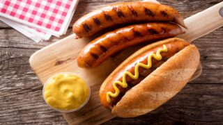 Why Hot Dogs And Buns Come In Different Quantities