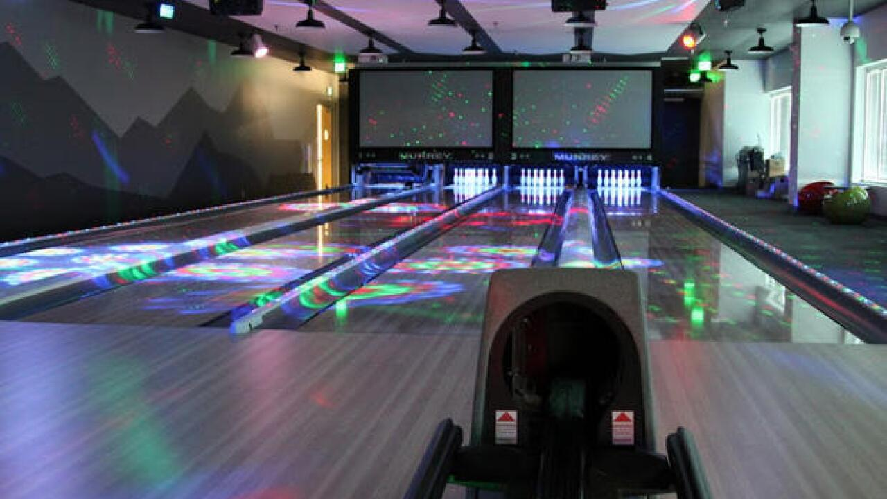 Mountain_View_bowling_alley_1.jpg