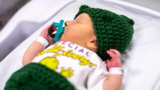 A Hospital Dressed Up Its Newborn Babies To Look Like Pickles And They're Completely Adorable