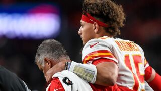 Mahomes won't play in Packers matchup