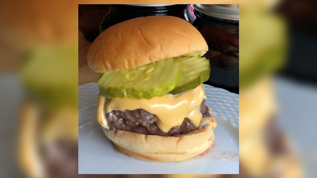 Company to pay someone $500 in search of best cheeseburger in U.S.