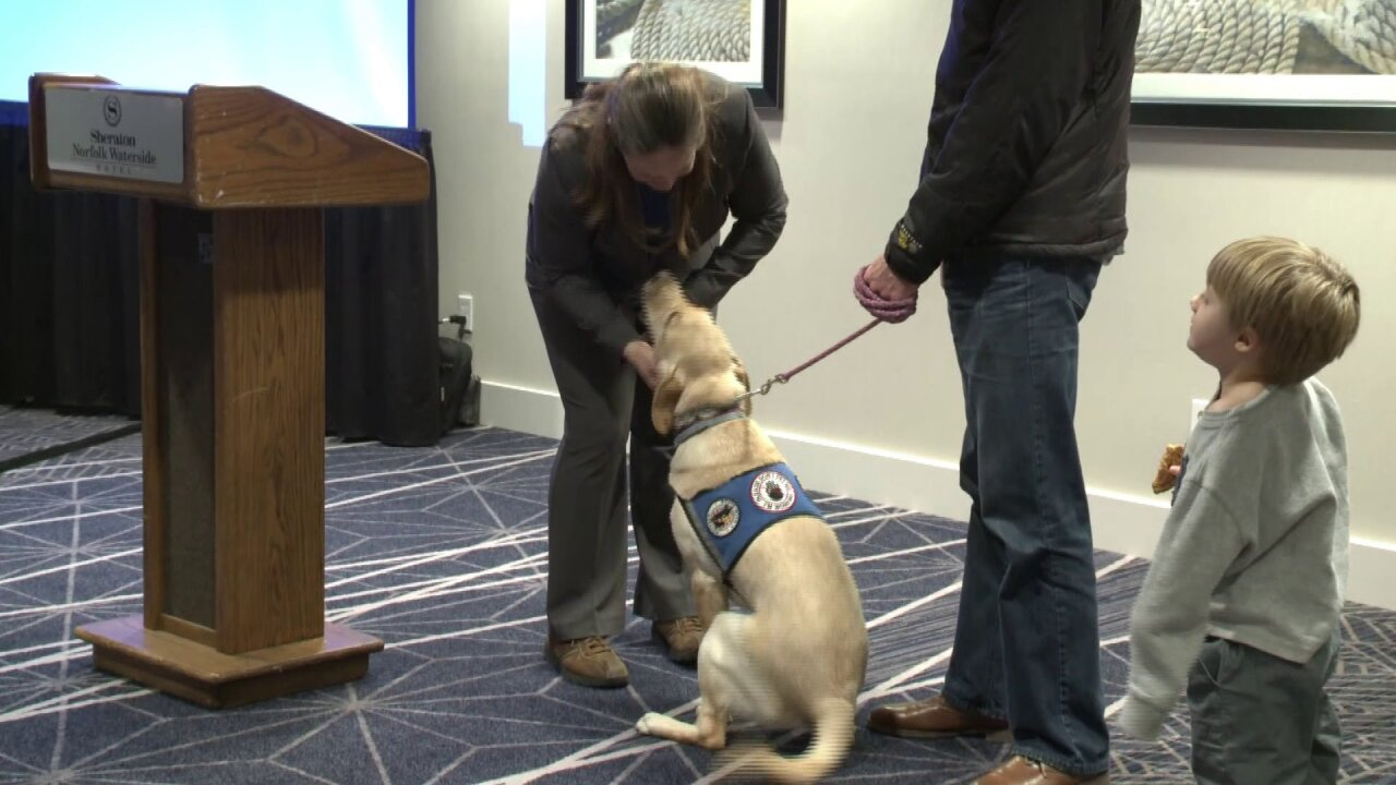 'Mutts With a Mission' graduation pairs service dogs with veterans, woundedwarriors