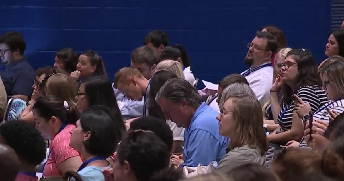 Baltimore County Superintendent addresses new teachers at orientation
