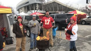 Chiefs fans tailgating ahead of last regular season gam