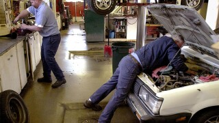 How to avoid being a victim at the car repair garage