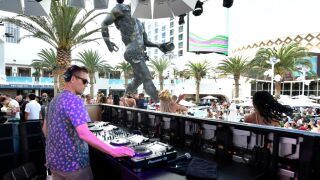 Kaskade At Palms Casino Resort's KAOS Dayclub For Grand Opening Weekend