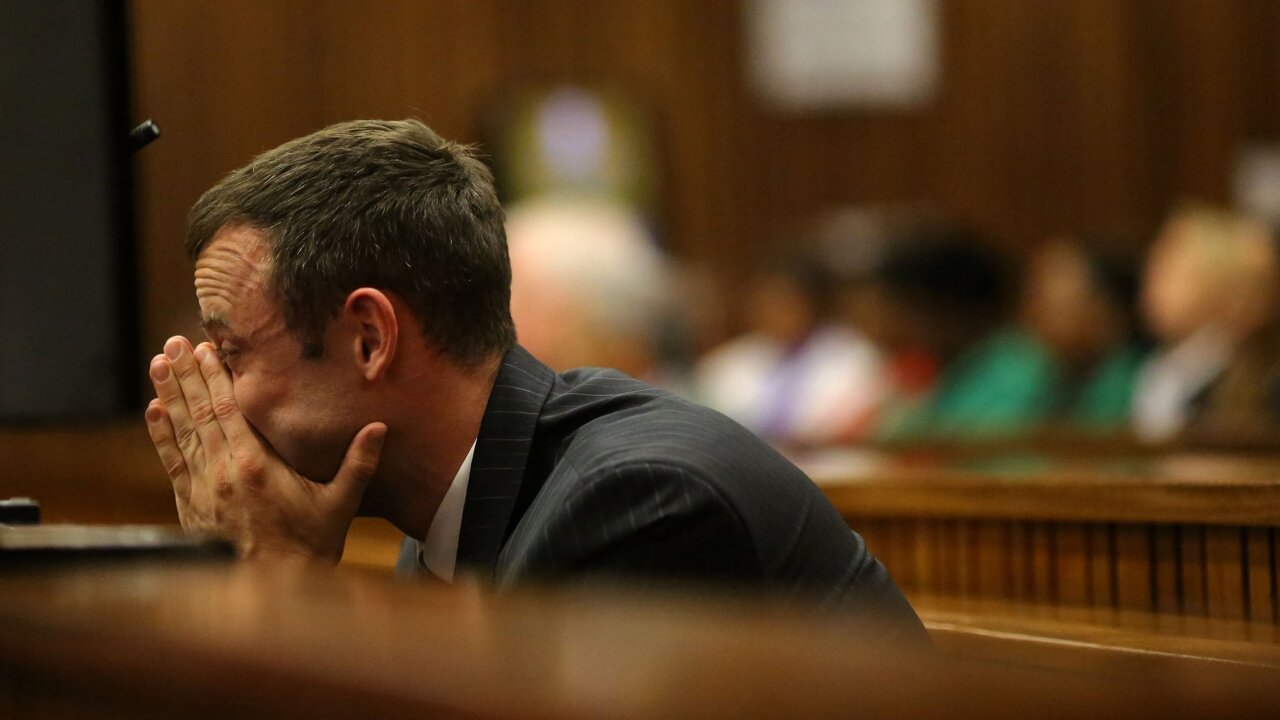 Oscar Pistorius murder trial: Security guard, lawyer clash over phone calls