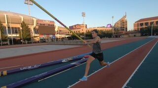 Mondo Duplantis beat in NCAA Pole Vault