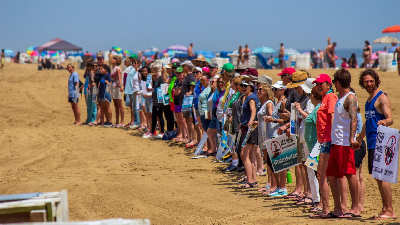 Hundreds of Virginians gather on beaches, saying 'no' to offshore drilling
