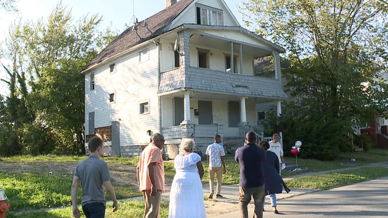 Abandoned house vigils