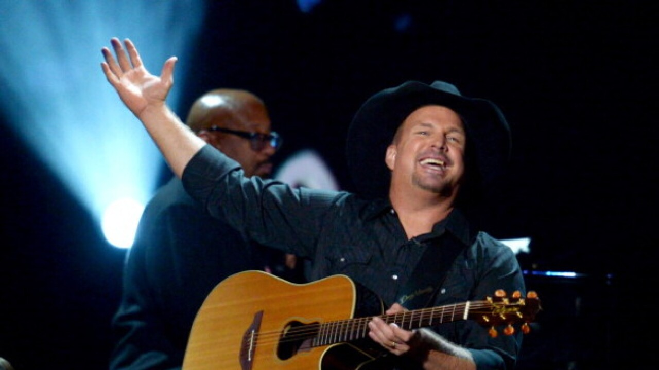 Garth Brooks to play drive-in theater concert across United States
