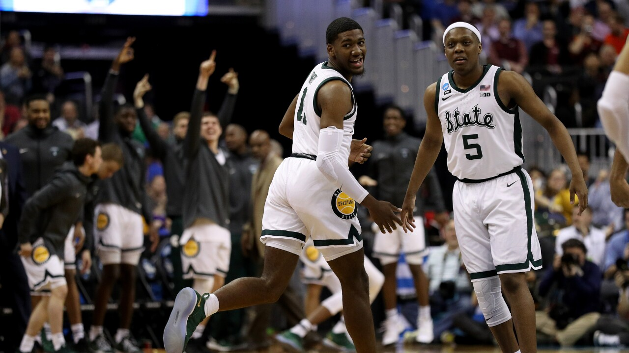 568c3af800aeb6 Aaron Henry s career high leads No. 2 Michigan State over No. 3 LSU