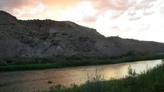 Gunnison River rafters rescue injured hiker