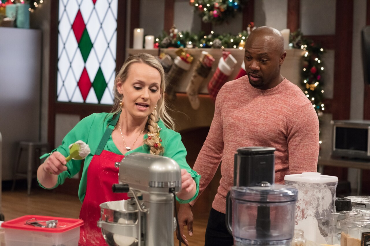Leslie Srodek-Johnson and Host Eddie Jackson, as seen on Christmas Cookie Challenge.jpeg