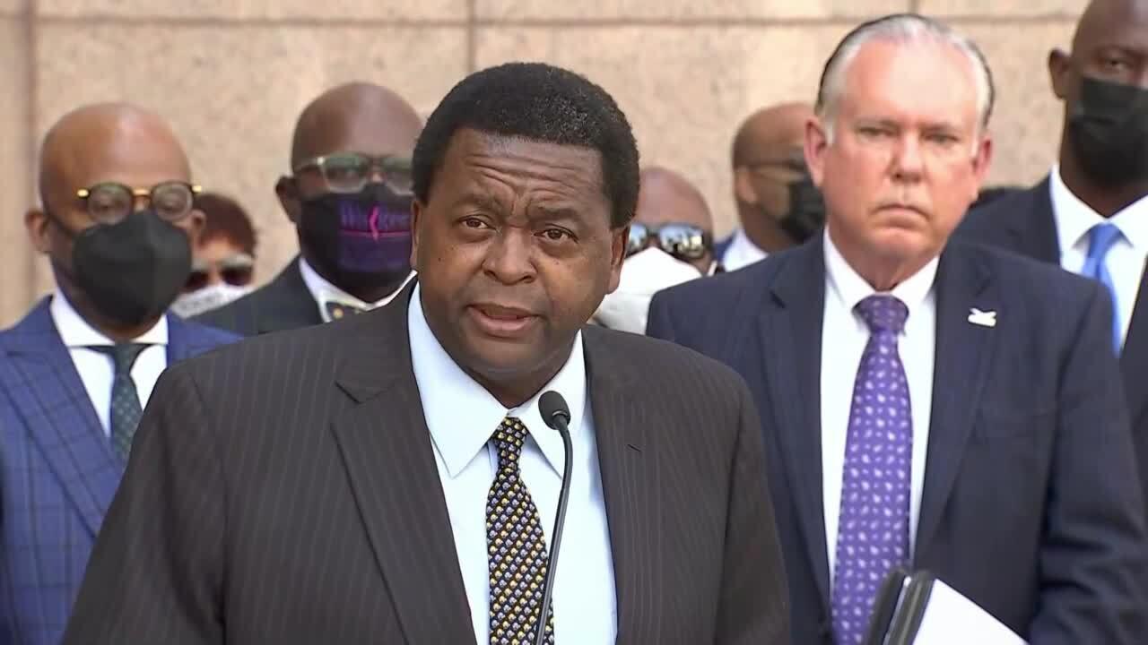 Florida Senator Perry Thurston defends Robert Runcie at the April 23, 2021 press conference