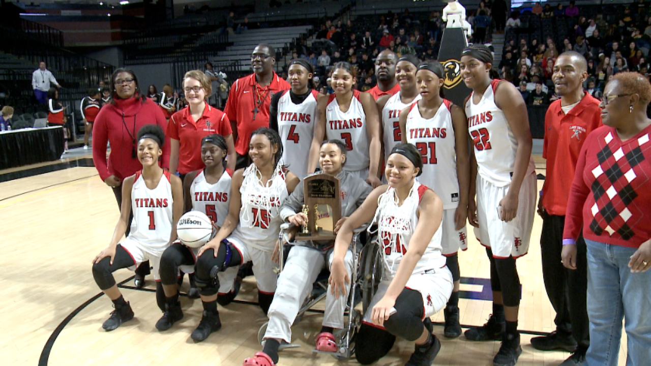 Titans on top! Lake Taylor girls win VHSL Class 4 basketball crown