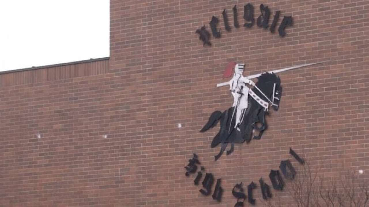 Students, administrators make completion of Hellgate HS construction