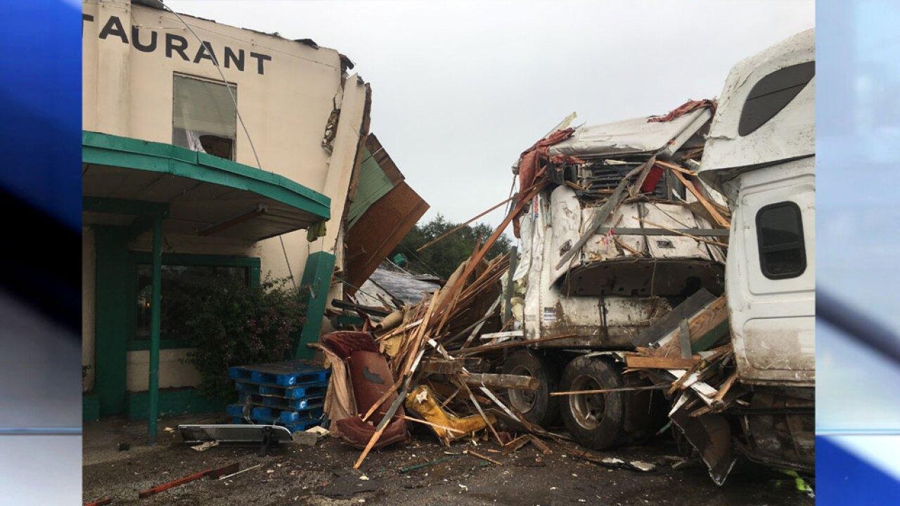 WPTV-Desert-Inn-crash-122219-15.jpg