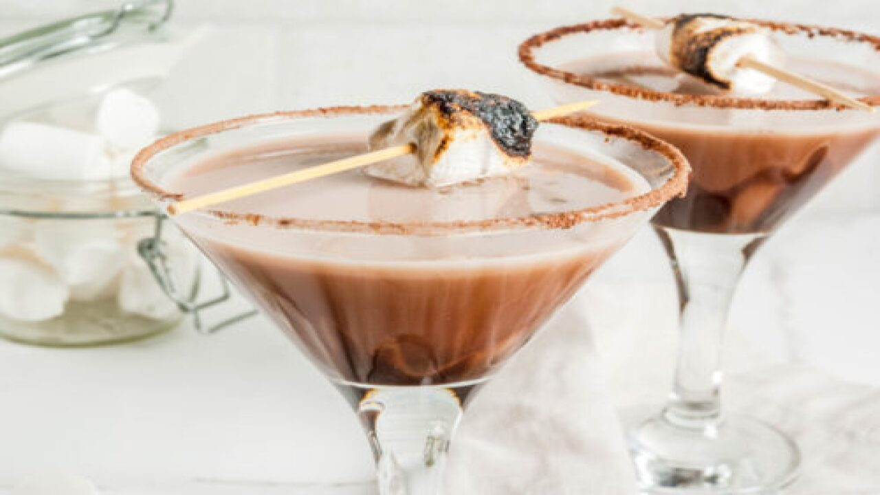 S'mores Martini Is The Perfect Cocktail To Enjoy Around The Campfire