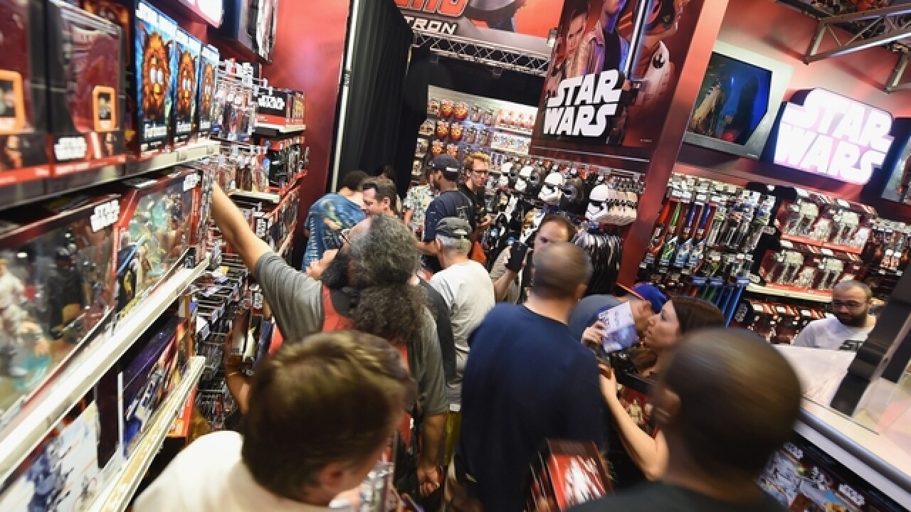 Theaters issue rules for Star Wars costumes