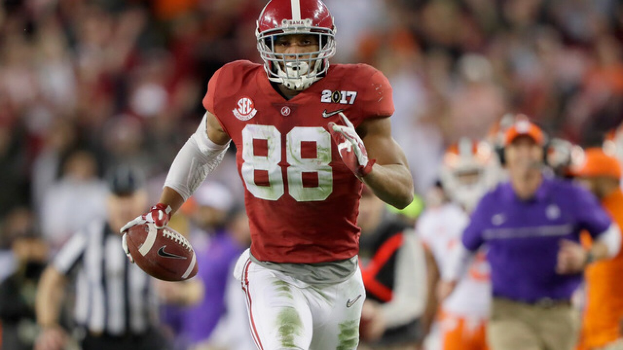 Buccaneers select TE O.J. Howard in NFL draft