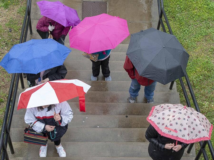 WCPO_Praying_The_steps39.jpg