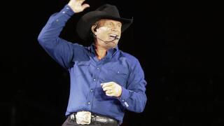 CMA Awards: Garth Brooks wins top honor, Beyonce performs