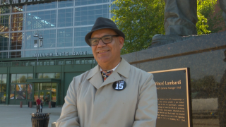 'Lombardi Look-alike': Man dresses up as his idol Vince Lombardi