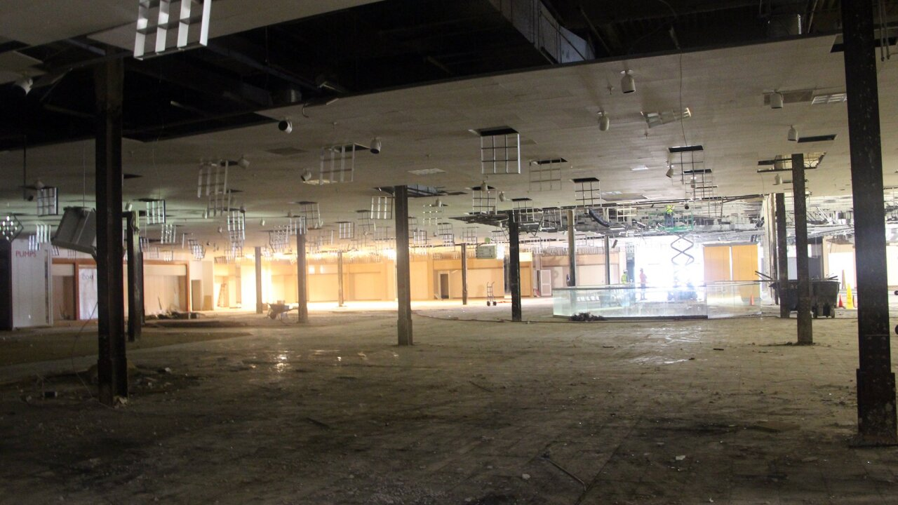 Former Macy's South store at Regency Square.