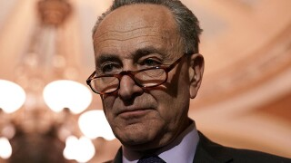 Schumer withdraws offer for border wall