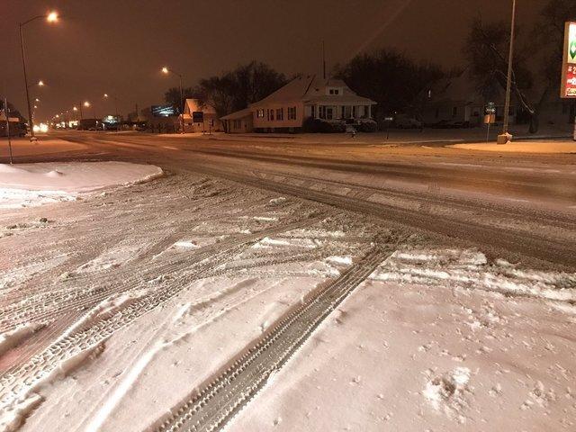 PHOTOS: Snow comes to the metro area