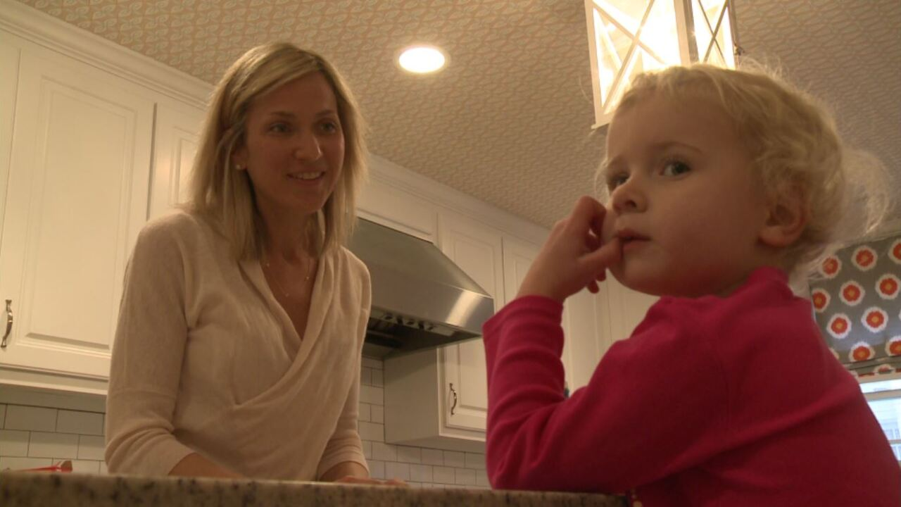 Mom decides to have double mastectomy even though she never hadcancer