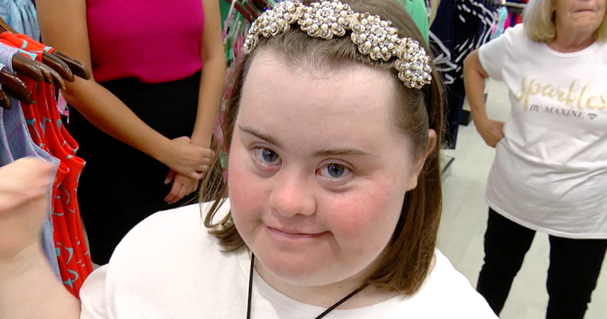 Hot Hair Accessories Sparkles By Maxine Are Created By A Tampa Bay Fashion Designer With Down Syndrome