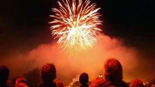 fireworks crowd