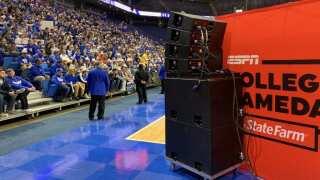 Wildcat Fans Get Loud For ESPN's College GameDay Ahead Of UK vs. Kansas Game