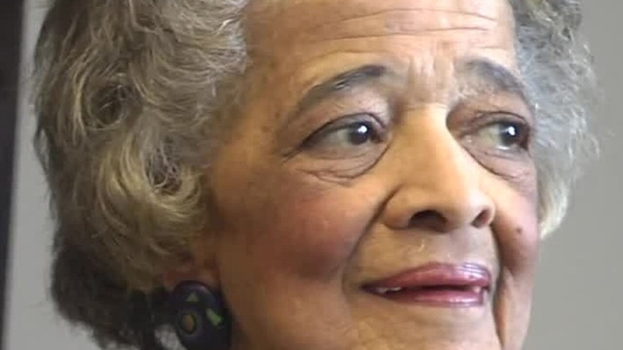 Milwaukee trailblazer Vel Phillips dies at 94
