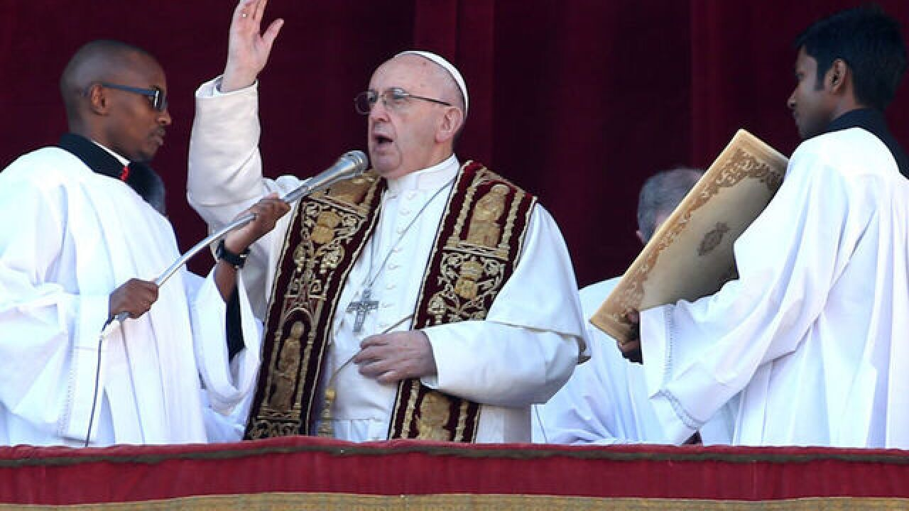 Pope Francis' message on Christmas: You must welcome foreigners
