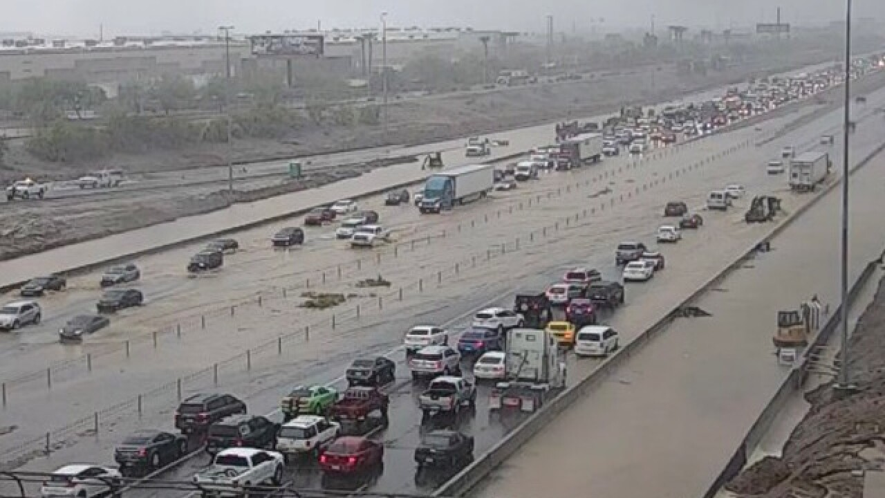VIDEO: Rain causes flooding on I-10 at 43rd Ave