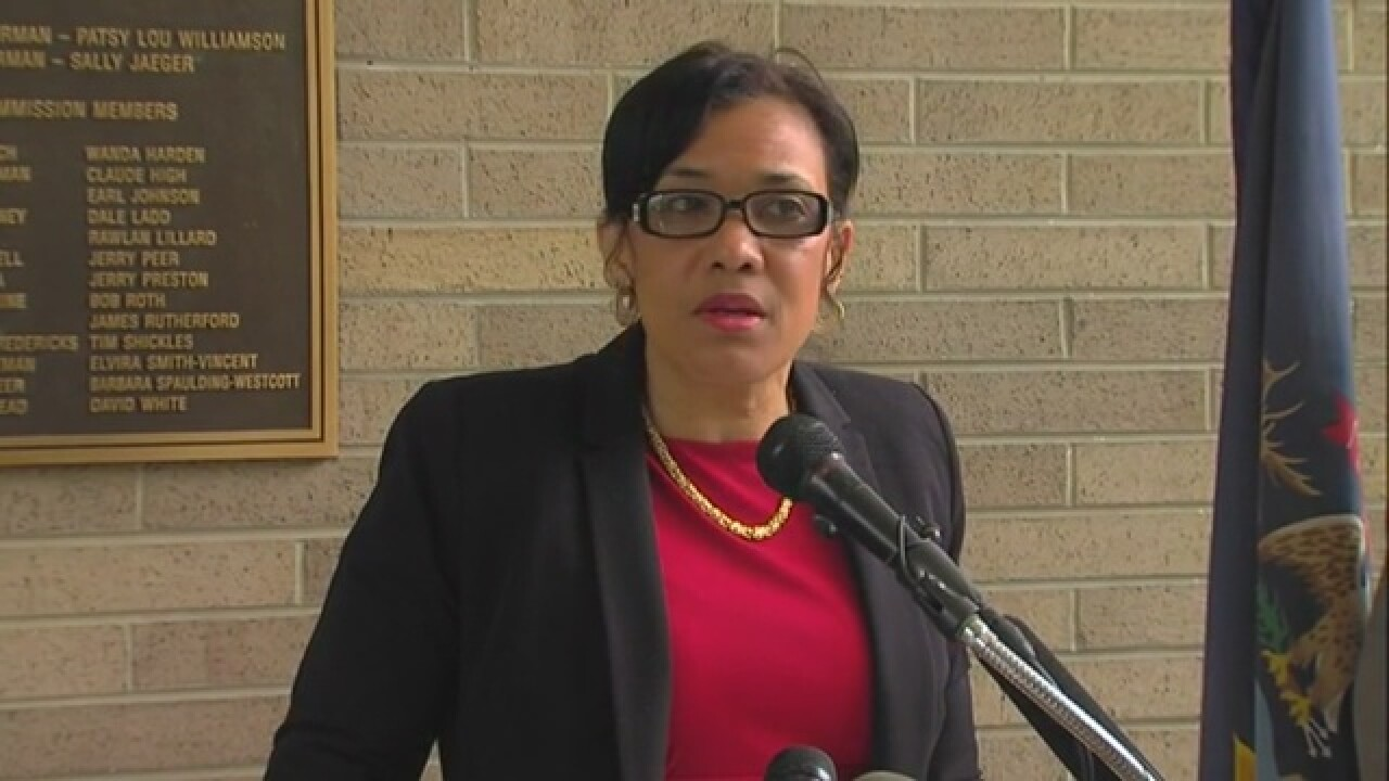 Flint Mayor Karen Weaver applauds Schuette for lawsuits in water crisis