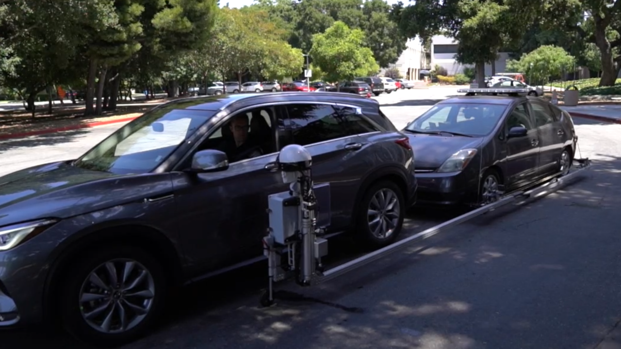 Creator of robotic cop hopes it changes traffic stops, cuts down on police-involved shootings