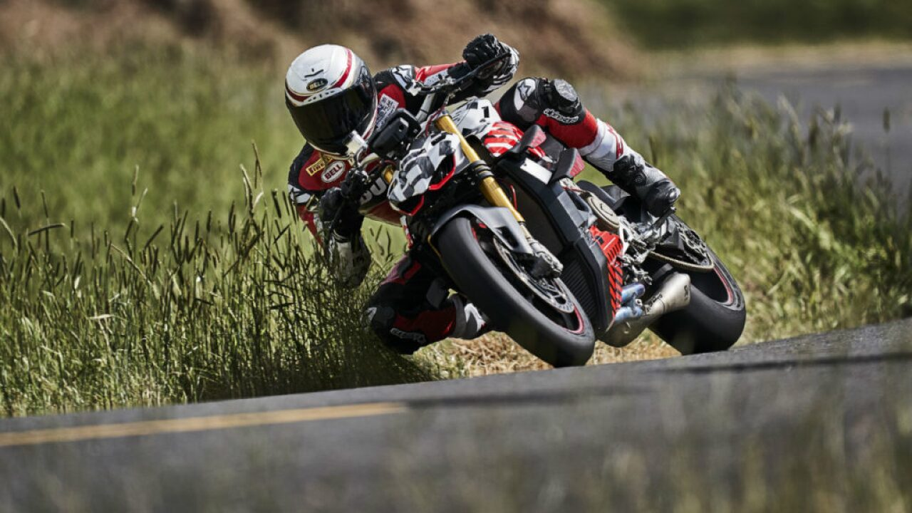 Motorcycle racer Carlin Dunne dies following crash in Pikes Peak International Hill Climb